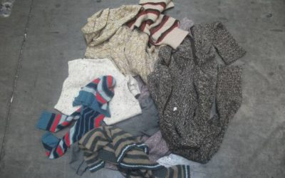 Többszínű akril pulóver